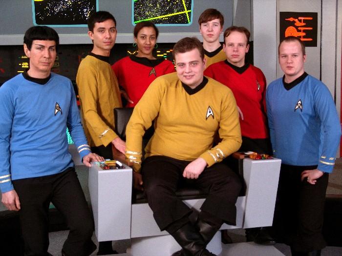 Grafik; Quelle: http://www.der-deutsche-spock.de/pics/tos_crew_700.jpg
